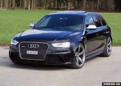 Audi RS4 Avant Black