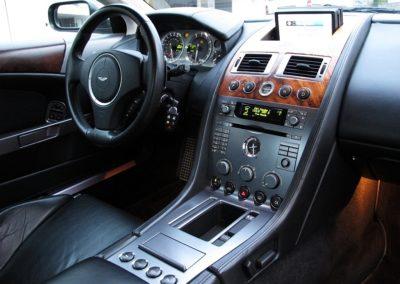 Aston Martin DB9 (17)