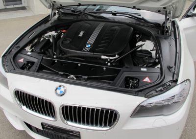 BMW 530d xDrive Touring white (1)