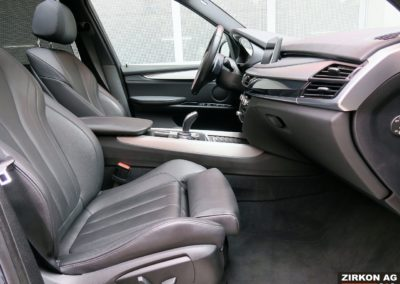 BMW X5 40d M-Sport saphirschwarz met. 17