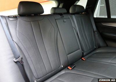 BMW X5 40d M-Sport saphirschwarz met. 21