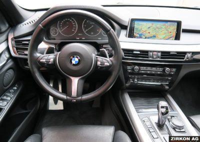 BMW X5 40d M-Sport saphirschwarz met. 26