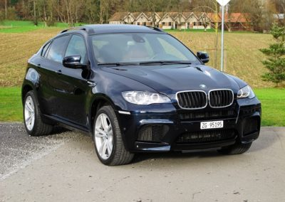 BMW X6M blue (1)