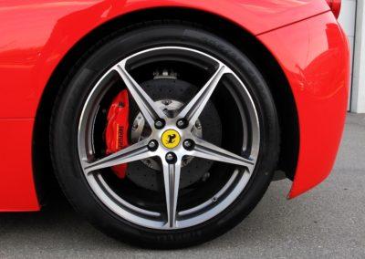 Ferrari 458 red stripes (10)