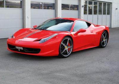 Ferrari 458 red stripes (2)