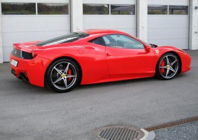Ferrari 458 red stripes (4)