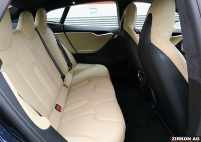 TESLA Model S 85D dunkelblau 18