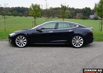 Tesla Model S P85 Plus (2)