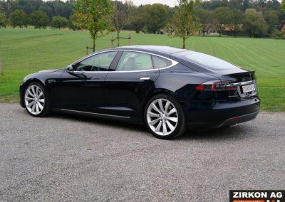 Tesla Model S P85 Plus (3)