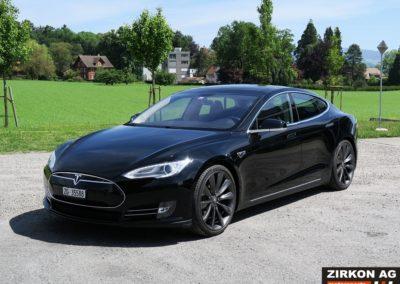 Tesla Model SP85 black black (1)