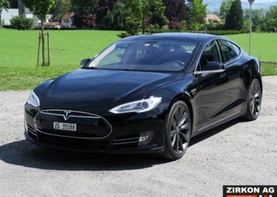 Tesla Model SP85 black black (2)