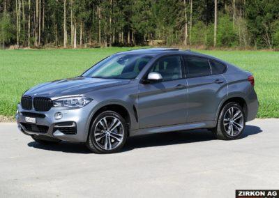 BMW X6 M50d F16 grau 04