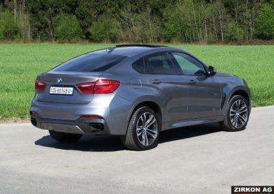 BMW X6 M50d F16 grau 08