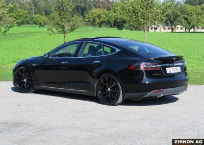 Tesla Model S P85D18