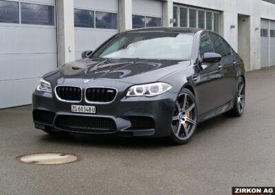 BMW M5 54