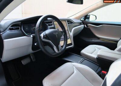 TESLA Model S 85D Performance 15