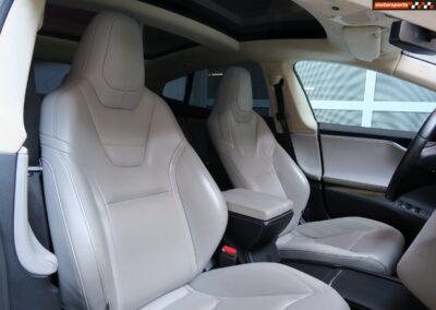 TESLA Model S 85D Performance 18