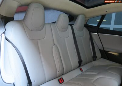 TESLA Model S 85D Performance 19