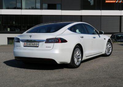 TESLA Model S P100DL 09