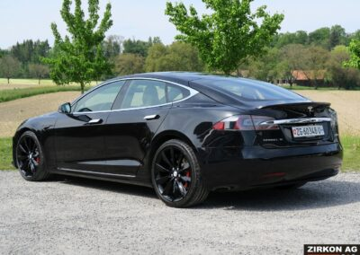 TESLA Model S P100DL Felgen schwarz 03