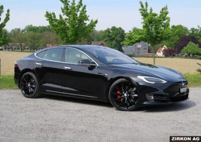 TESLA Model S P100DL Felgen schwarz 10