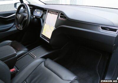 Tesla Model X 90D weiss Interior A 33